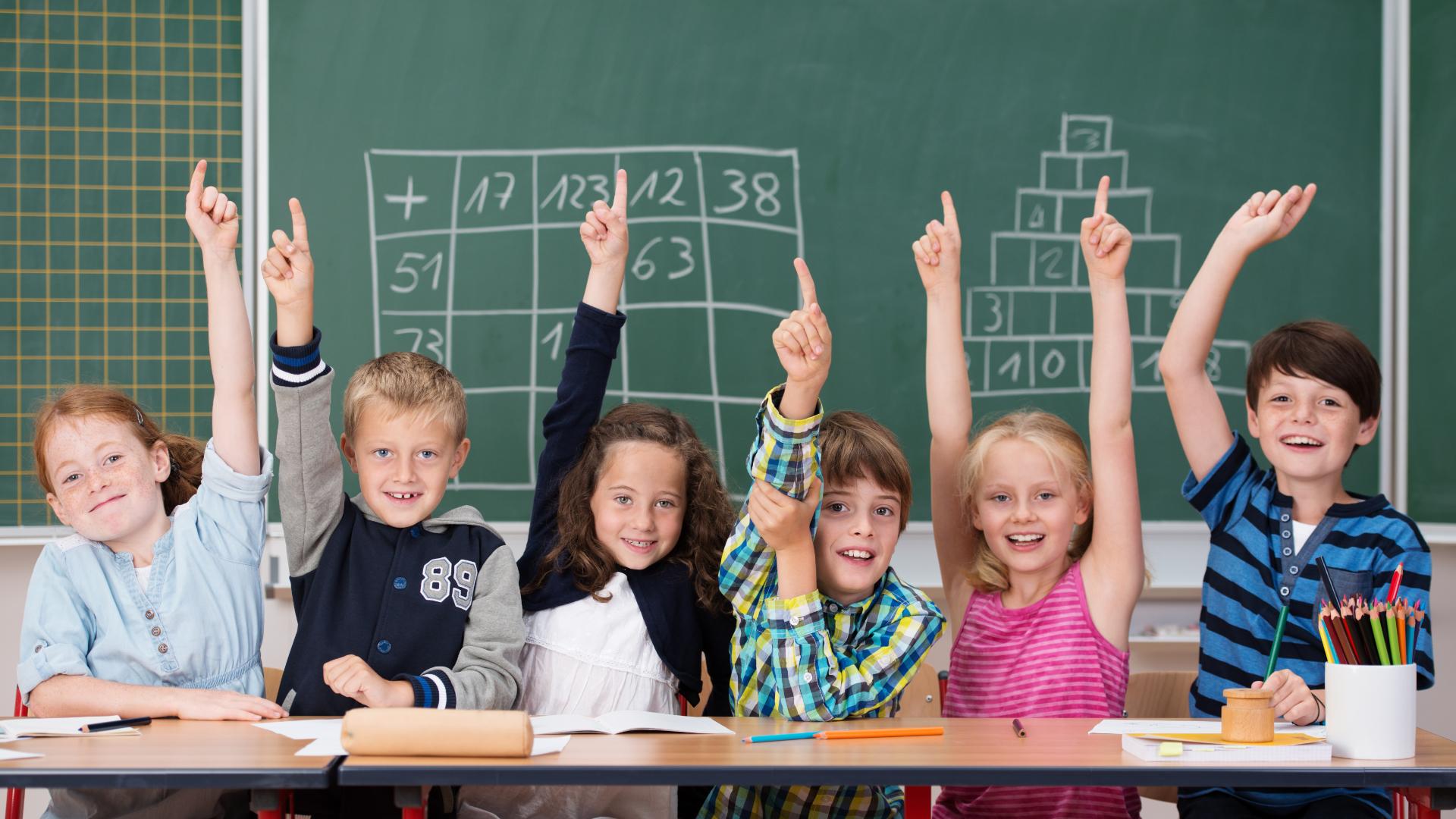 aktywne dzieci na lekcji